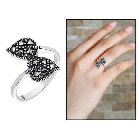Tesbihane - 925 Ayar Gümüş Siyah Zirkon Taşlı Çift Yaprak Tasarım Bayan Yüzük