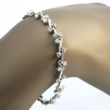 Tesbihane - Zirkon Taşlı Tam Tur Kalp ve Çiçek Tasarım 925 Ayar Gümüş Bayan Bileklik