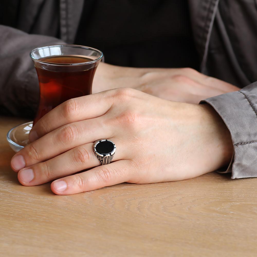 925 Ayar Gümüş Bombeli Siyah Oniks Taşlı Erkek Yüzük