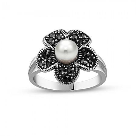 - 925 Ayar Gümüş İnci Taşlı Çiçek Yüzük