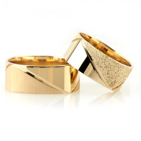 Tesbihane - Köşeli Tasarım Gold Renk 925 Ayar Gümüş Çift Alyans