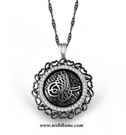 - 925 Ayar Gümüş Mine İşlemeli Zirkon Taşlı Tuğra Model Kolye