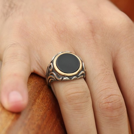 - 925 Ayar Gümüş Oniks Taşlı Yüzük