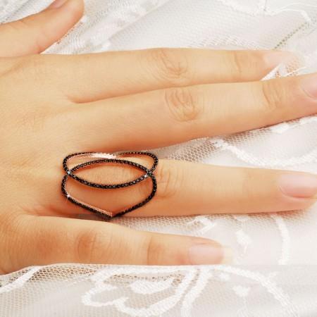 - 925 Ayar Gümüş Siyah Zirkon Taşlı Çift Kalp Yüzük