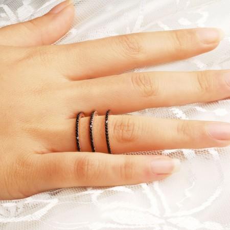 - 925 Ayar Gümüş Siyah Zirkon Taşlı Halka Model Yüzük