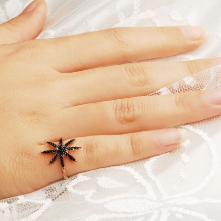 925 Ayar Gümüş Siyah Zirkon Taşlı Kutup Yıldızı Yüzük - Thumbnail