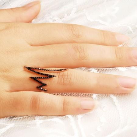 Tesbihane - 925 Ayar Gümüş Siyah Zirkon Taşlı Trend Model Yüzük