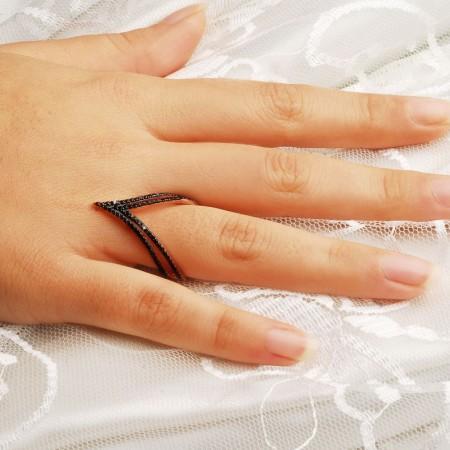 - 925 Ayar Gümüş Siyah Zirkon Taşlı Zilkir Model Yüzük