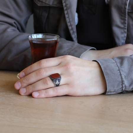Tuğra İşlemeli Kırmızı Dörtgen Akik Taşlı 925 Ayar Gümüş Erkek Yüzük - Thumbnail