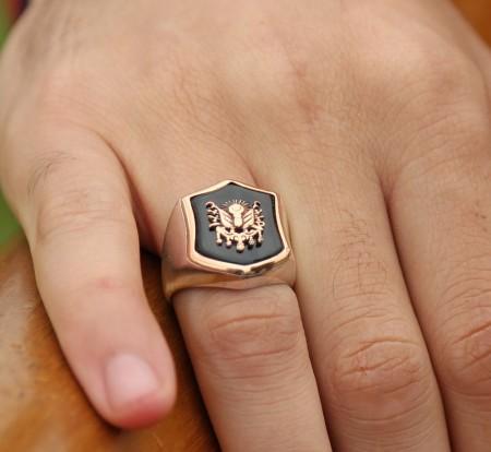 - 925 Ayar Gümüş Tuğra Desenli Oniks Taşlı Yüzük