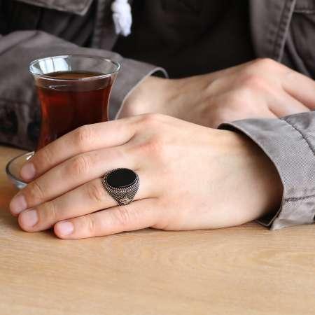 Tuğra İşlemeli Siyah Yuvarlak Oniks Taşlı 925 Ayar Gümüş Erkek Yüzük - Thumbnail