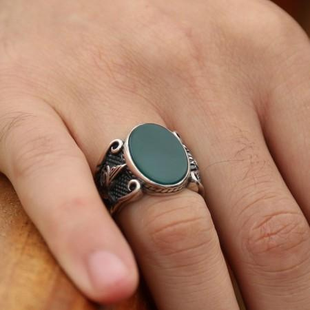 - 925 Ayar Gümüş Yeşil Akik Taşlı Oval Yüzük