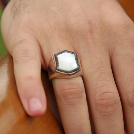 - 925 Ayar Gümüş Zirkon Ve Sedef Taşlı Yüzük