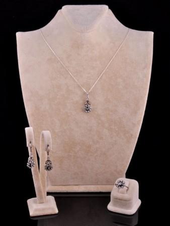 - Elmas Modeli Çiçekli Gümüş Set
