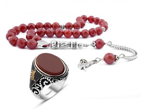 - Fasetalı Kesim Kırmızı Akik Tesbih Oval Akik Taşlı 925 Ayar Gümüş Tuğra Yüzük Kombini