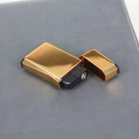 - Kişiye Özel Çakmak Gold Renk Izgaralı