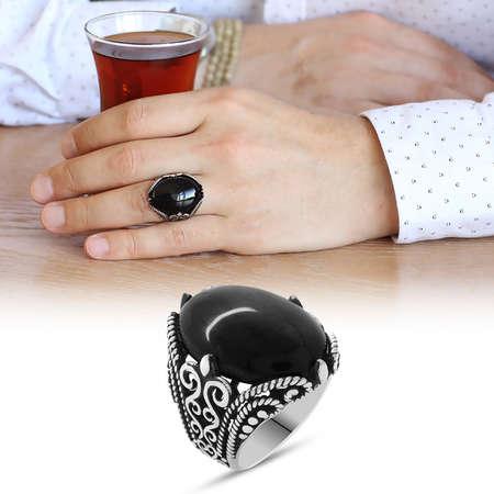Tesbihane - Siyah Oniks Taşlı Ferforje Tasarım 925 Ayar Gümüş Erkek Yüzük