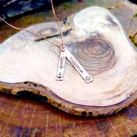 - 925 Ayar Gümüş Çift Çubuk Tasarım Kişiye Özel İki İsim Yazılı Kolye
