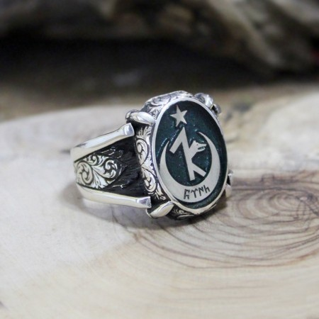 - Kişiye Özel İsim ve Resim Motifli Pençe Tasarım Mineli 925 Ayar Gümüş Erkek Yüzük