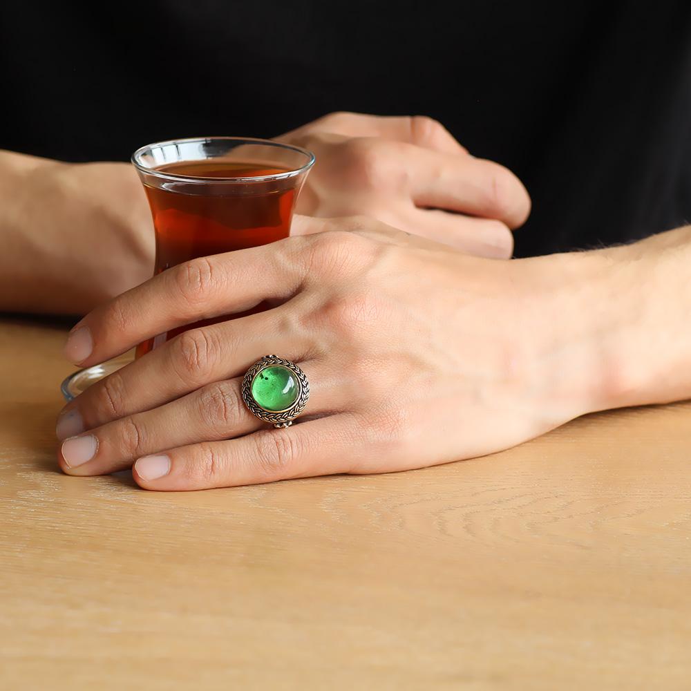 Yeşil Ateş Kehribar Taşlı Yuvarlak Tasarım 925 Ayar Gümüş Erkek Yüzük