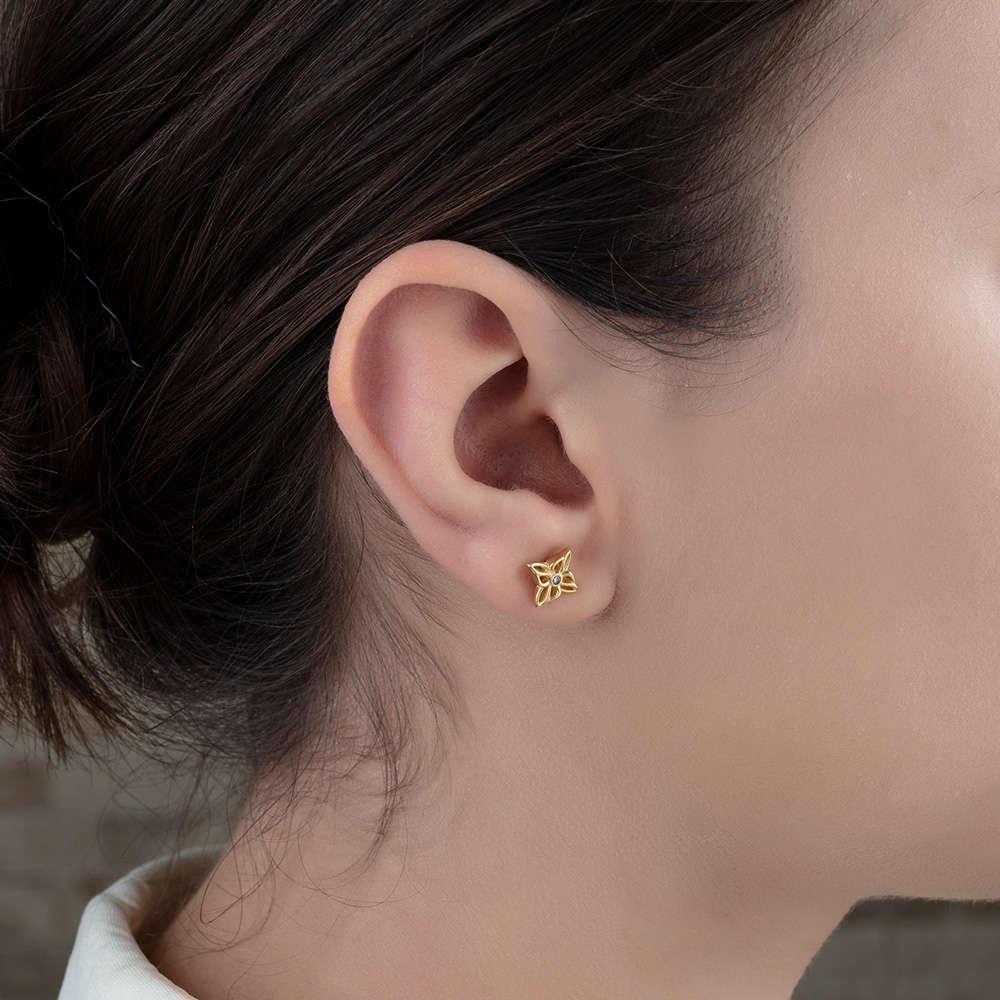 Zirkon Taşlı Ixora Çiçeği Tasarım Gold Renk 925 Ayar Gümüş Küpe